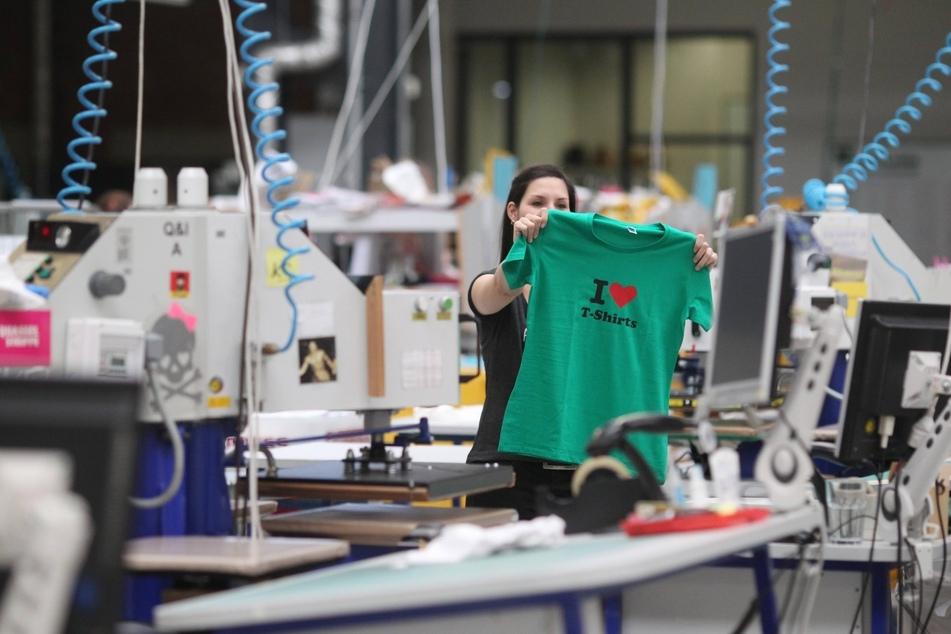 Bei Spreadshirt können Kunden eigene Motive für T-Shirts in Auftrag geben.