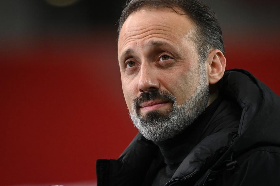 VfB-Coach Pellegrino Matarazzo (43) glaubt daran, dass Schalke bis zum Schluss kämpfen wird.