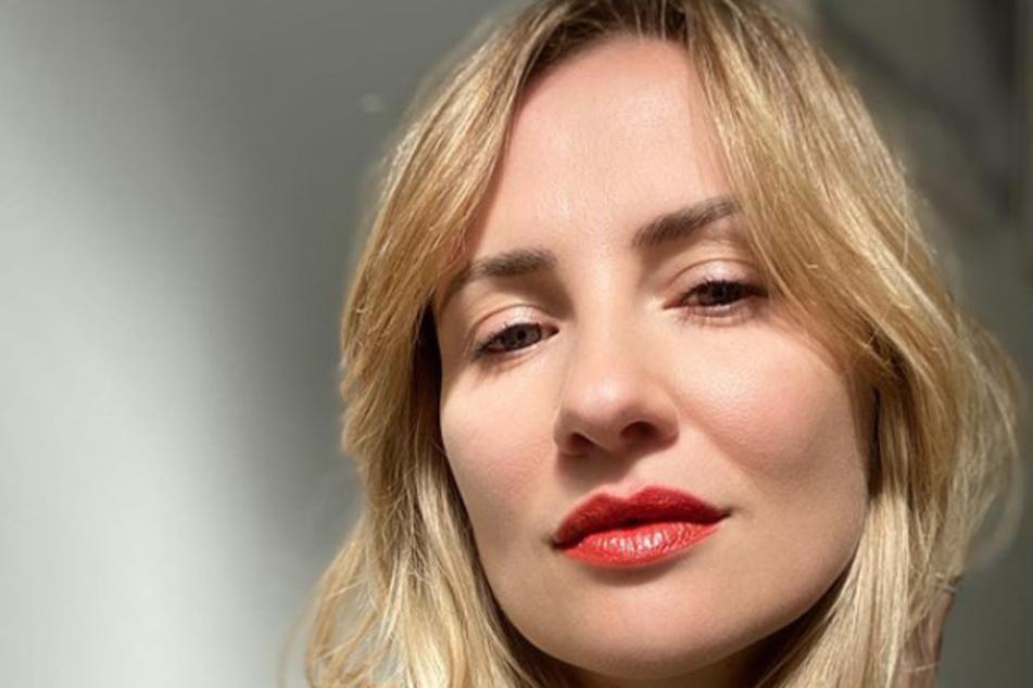 AWZ-Schauspielerin Ania Niedieck mit wichtiger Corona-Botschaft!
