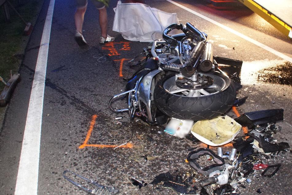 Tödlicher Fahrfehler beim Überholen: Motorradfahrer kommt ums Leben