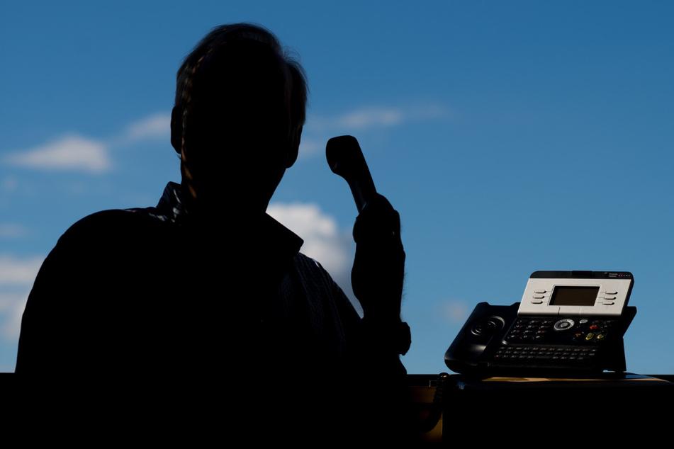 Lasst Euch am Telefon nicht zu Geldübergaben überreden und macht auch keine Aussagen zu Eurem Vermögen!