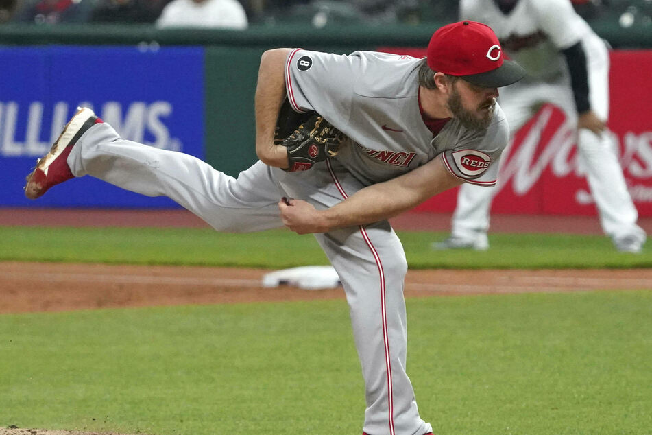 MLB: The Cincinnati Reds easily roll over the Pirates with a dominant performance