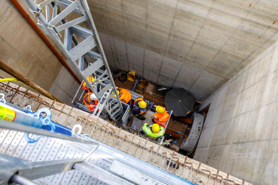 Dresden: In 20 Metern Tiefe: Dresdens neuer Tunnel unter der Elbe ist fertig