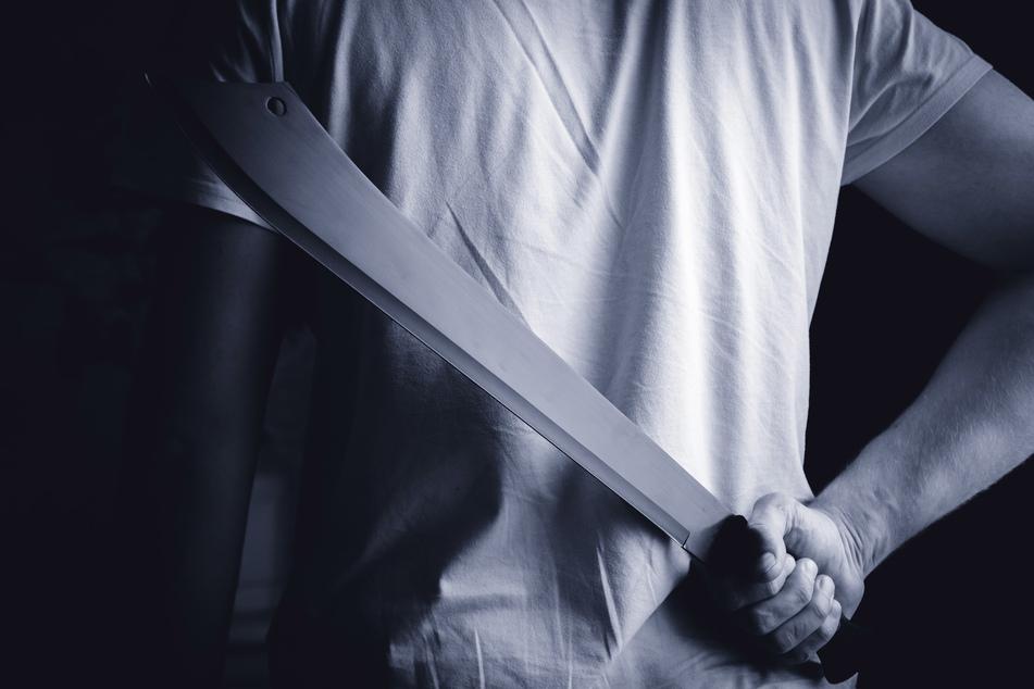Der Angreifer soll eine Machete bei sich gehabt haben (Symbolbild).