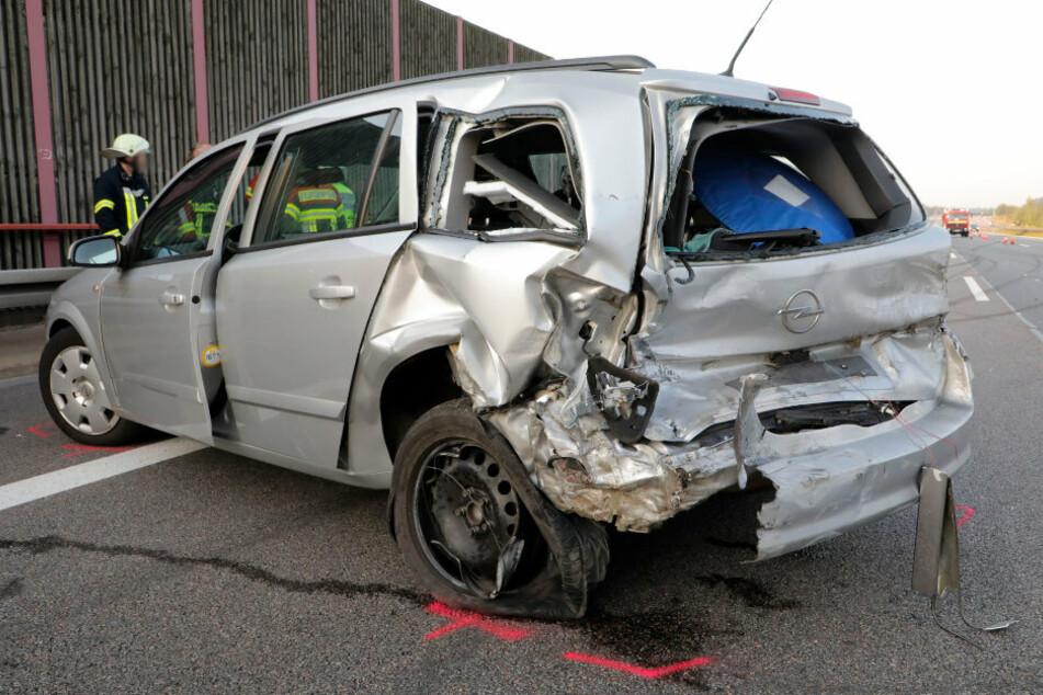 Am Sonntag sind auf der A4 zwei Opel aufeinander gefahren.