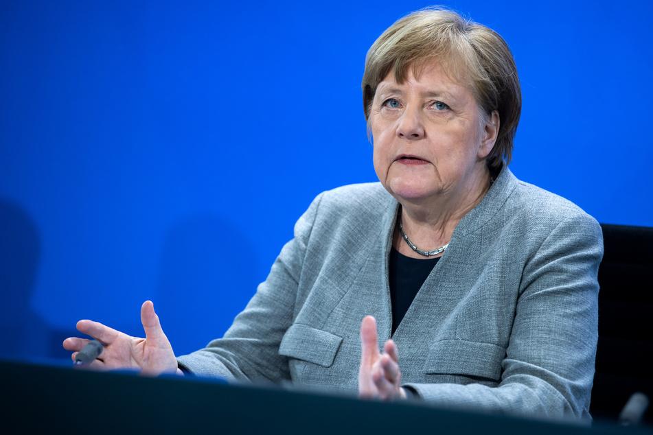 Angela Merkel kritisiert die Diskussionen um die Öffnungen scharf.