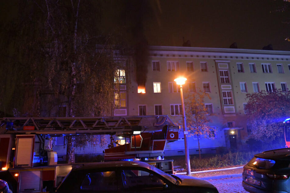 Zwei nächtliche Wohnungsbrände: Ein Verletzter