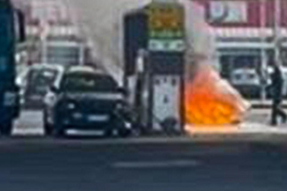 Polizei will Lkw kontrollieren, dann fliegt beinahe eine Tankstelle in die Luft