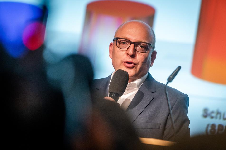 Oberbürgermeister Sven Schulze (49, SPD) lehnt eine Zusammenarbeit mit AfD und Pro Chemnitz ab.