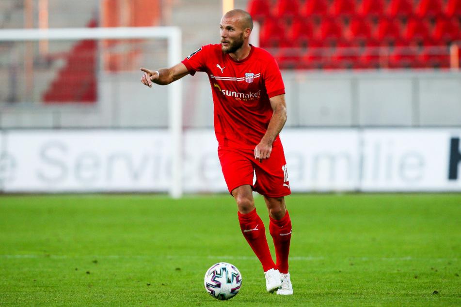 Der ehemalige Carl-Zeiss-Profi und namibische Ex-Nationalspieler Manfred Starke kam vom 1. FC Kaiserslautern zum FSV Zwickau und soll die Offensive beleben.