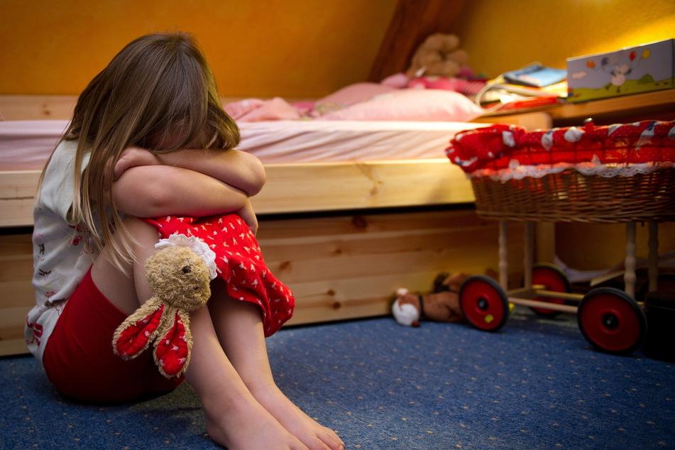 Kinder und Jugendliche berichten im Lockdown zunehmend von Gewalt- und Missbrauchsfällen (Symbolbild).
