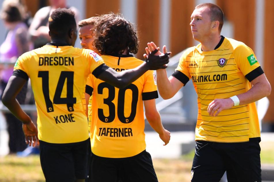 Spielten einst gemeinsam bei Dynamo, nun zusammen in Frankreich bei Olympique Nimes: Haris Duljevic (r.) und Moussa Koné (l.).