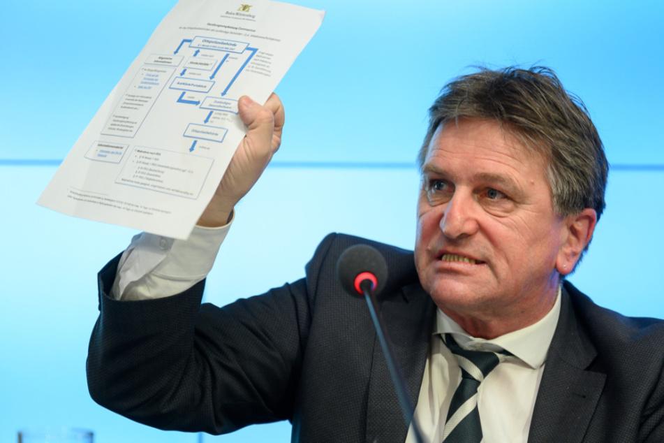 Baden-Württembergs Gesundheitsminister Manne Lucha (58, Grüne).