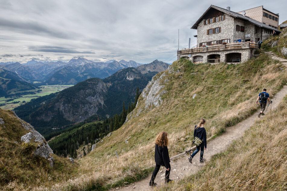 Die Bergwacht beobachtet ein verändertes Freizeitverhalten der Menschen in der Corona-Zwangspause.