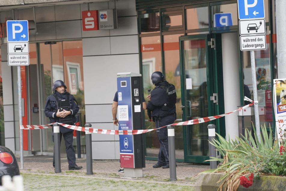 Banküberfall! Polizei nimmt Tatverdächtigen fest
