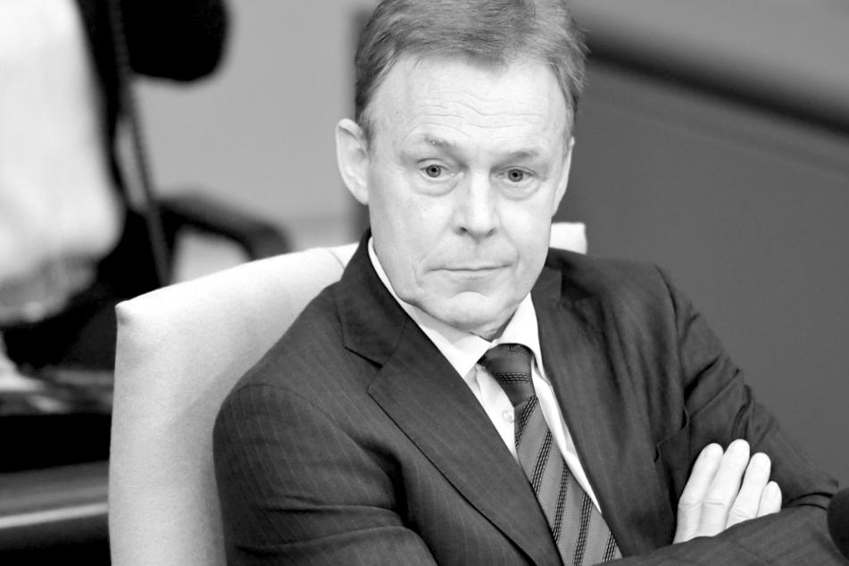 Thomas Oppermann bricht bei TV-Arbeiten zusammen: Bundestagsvizepräsident gestorben!