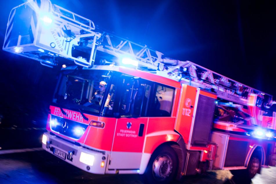 Betrunkener schnappt sich Feuerwehrauto und düst durch die Gegend