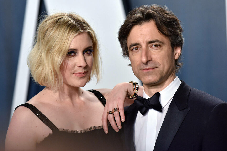 Noah Baumbach (r.) is set to direct an adaptation of Don DeLillo's novel White Noise. His partner, Greta Gerwig (l.), will play the main female role.