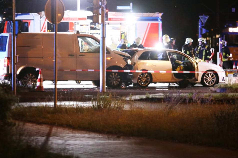 An einer Kreuzung in Paunsdorf krachte ein Transporter ins Heck eines Audis.