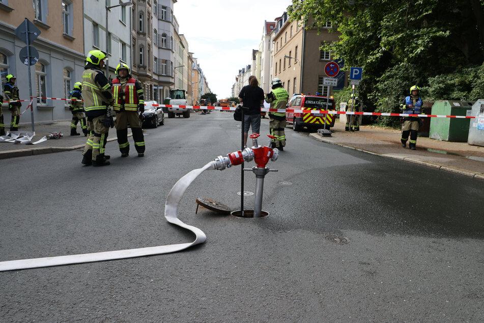 Drei Wohnhäuser wurden evakuiert, da im Kellerbereich eine erhöhte Gaskonzentration gemessen wurde.