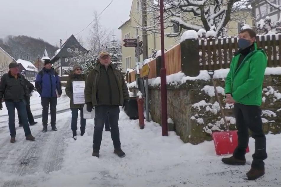 Nach Aufmarsch vor seinem Wohnhaus: Kretschmer will erneut mit Demonstranten diskutieren