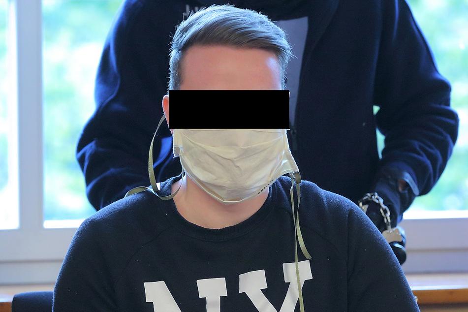 Leon S. (23) wurde wieder wegen Betruges verurteilt und bleibt nun etwas länger hinter Gittern.