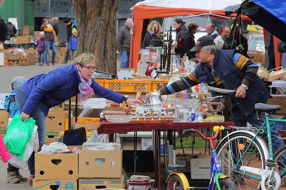 Der Kunst-, Antik- und Trödelmarkt findet am Samstag statt.