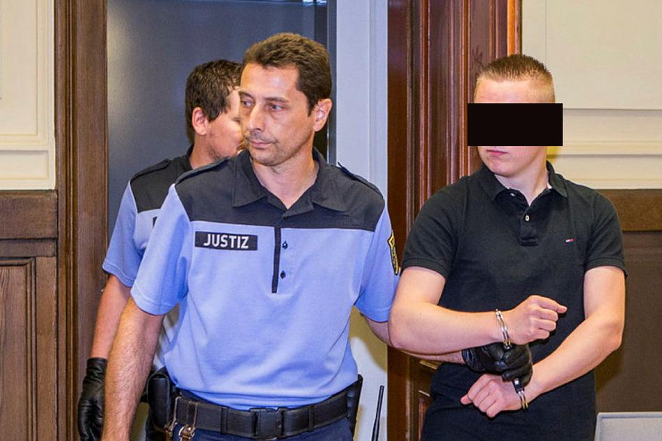 Maximilian S., hier bei seinem Prozess im August 2015, soll erneut mit Drogen gehandelt haben. (Archivbild)