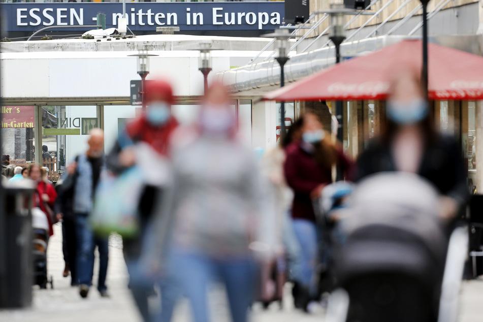 Auch in Essen wurde die Warnstufe von 50 Corona-Neuinfektionen pro 100.000 Einwohnern überschritten.