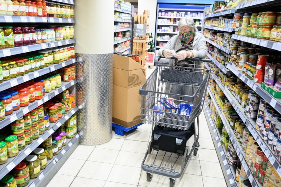 Sozialhilfe-Empfänger zieht vor Gericht, um Geld für Lebensmittel-Vorrat zu bekommen