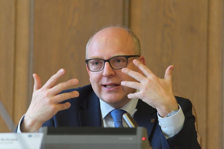"""Oberbürgermeister Sven Schulze (49, SPD) will die Präsenz von Ordnungsamt und Polizei """"deutlich erhöhen""""."""