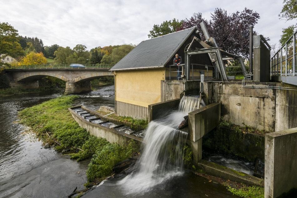 Im Turbinenhaus der Rolle Mühle in Grünhainichen wird die Energie der Zschopau zu Strom.