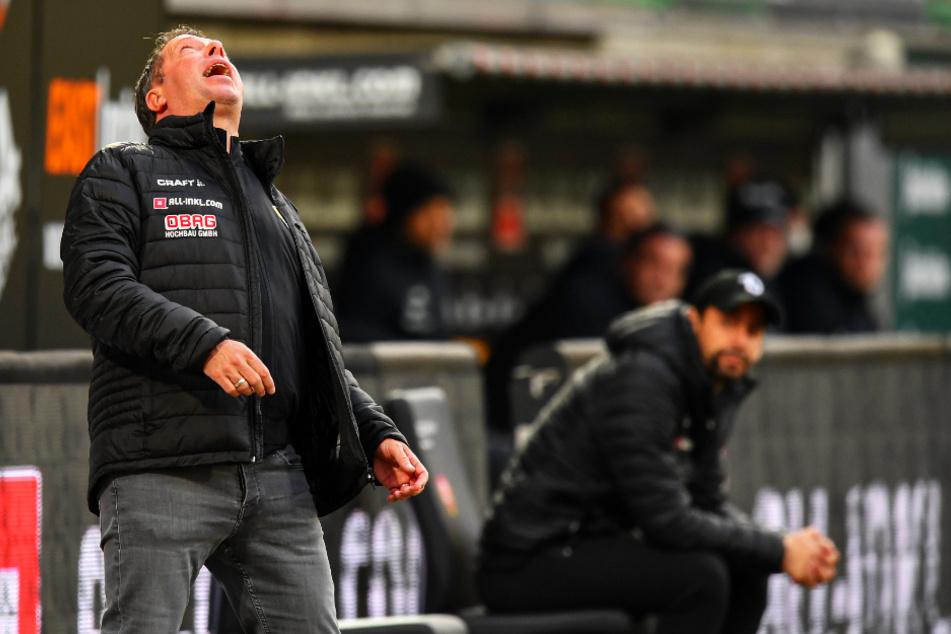 Der Blick von Markus Kauczinski (50) geht nach oben. Dort will er hin. Ein Sieg gegen Hansa wäre ein Schritt auf dem Weg dort hin.