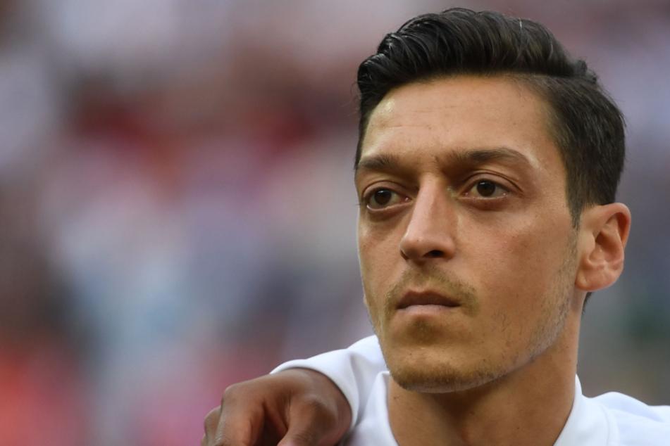 Rückkehr zum FC Schalke 04? Mesut Özil kann sich Scherz nicht verkneifen