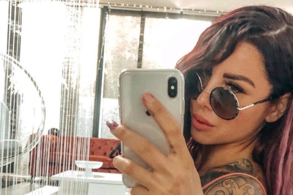 Tattoo-Model Kate Merlan lässt sich Fett absaugen und vergrößert sich damit ihren Popo
