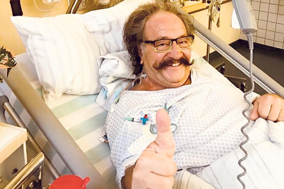 Gut gelaunt sieht Karl-Heinz Bellmann (73) seiner heutigen Entlassung aus dem Krankenhaus entgegen.