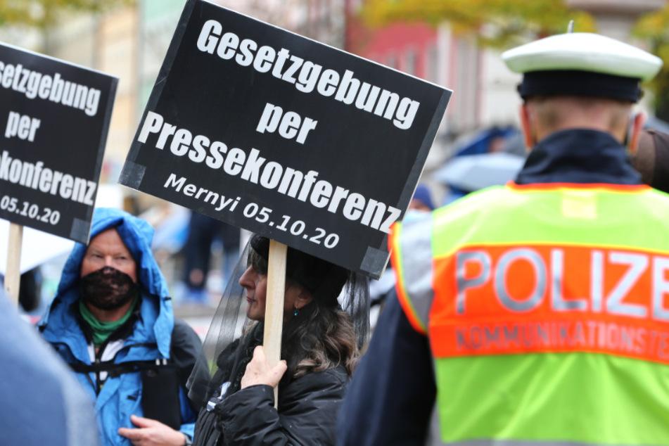 """Das Foto vom 1. November zeigt eine """"Querdenken""""-Demonstration in München."""