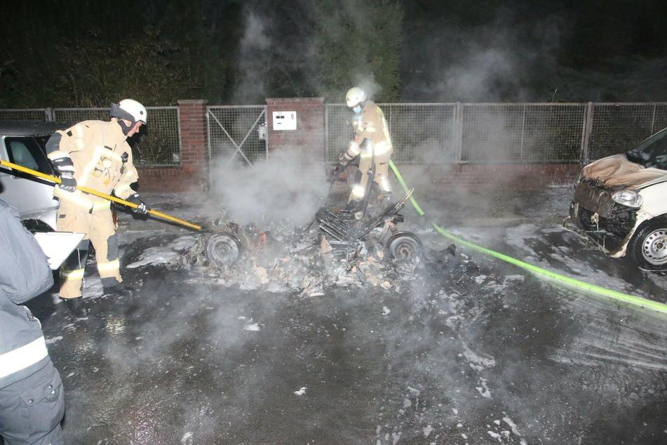 In Neukölln ist in der vergangenen Nacht ein Leichtkraftfahrzeug abgebrannt.
