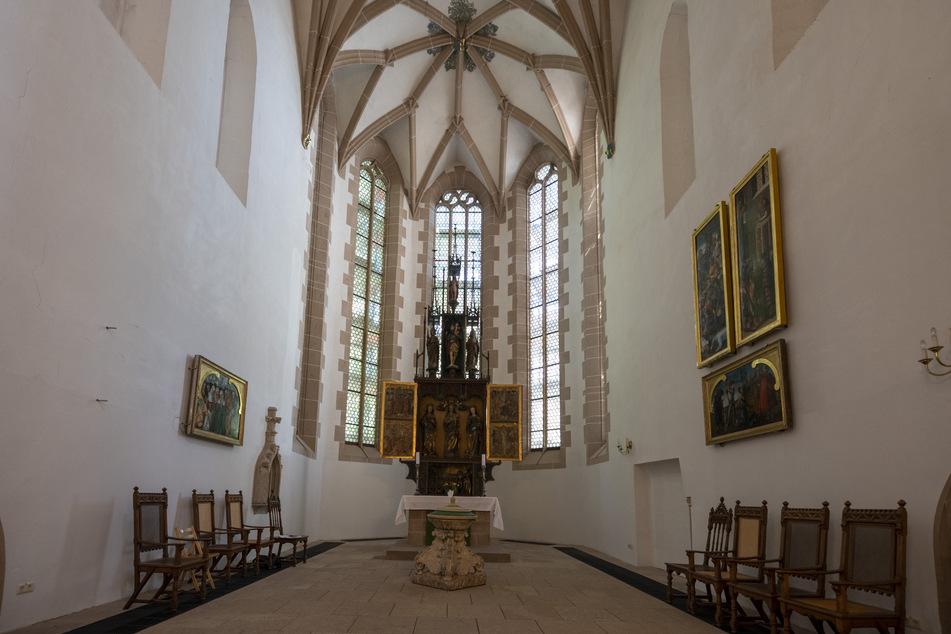 Ausgerechnet die Fassade des Altarraums bereitet jetzt große Probleme.