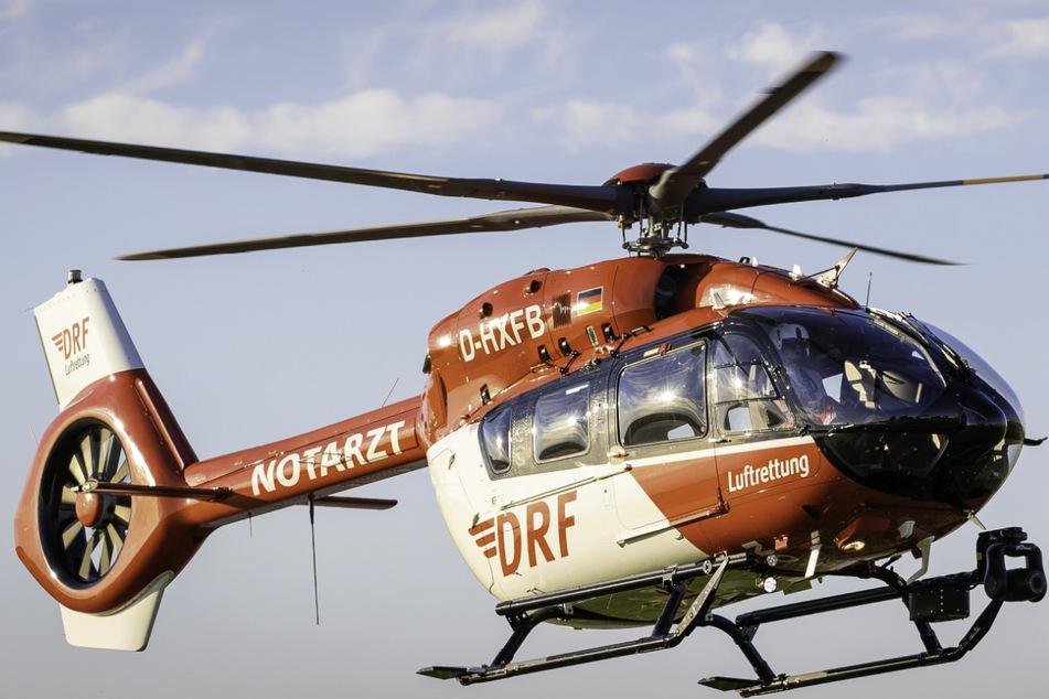 Mit dem Rettungshubschrauber wurde das Mädchen in die Klinik geflogen. (Symbolbild)