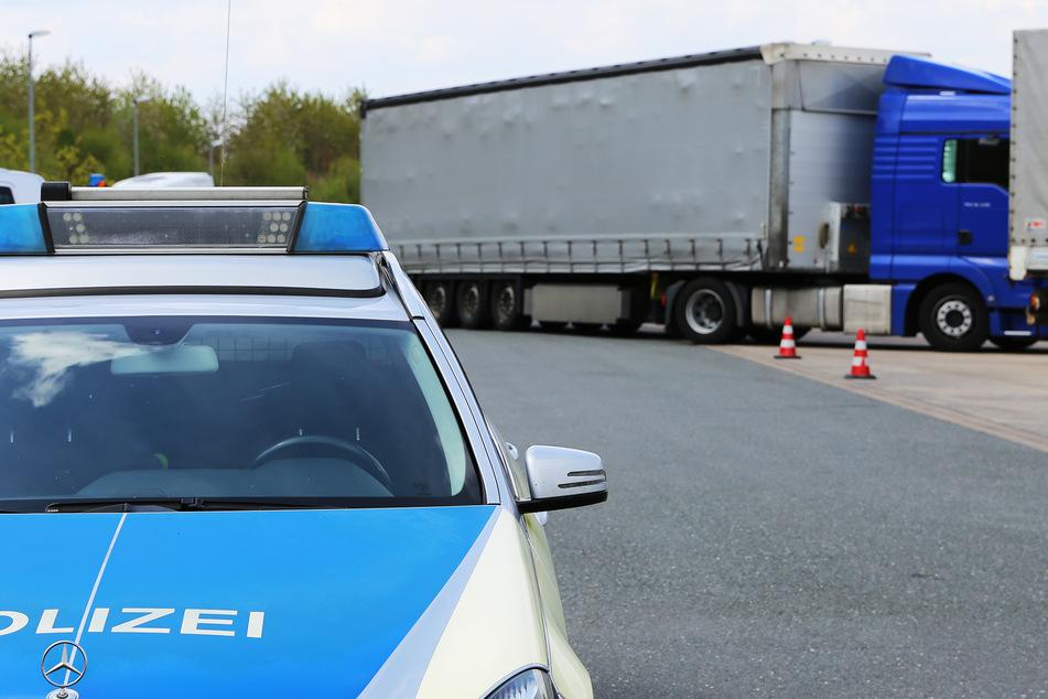 Polizei kontrolliert mehrere Lkw und macht wahren Ekel-Fleisch-Fund