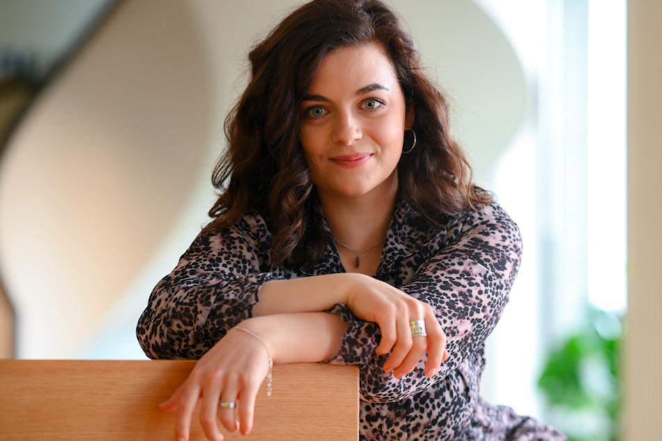 """Ronja Forcher (24) ist seit 2008 in der Rolle der Lilli Gruber in der ZDF-Serie """"Der Bergdoktor"""" zu sehen."""