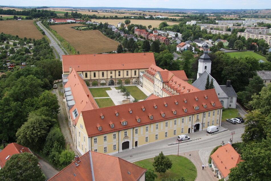 Das Zwickauer Clara-Wieck-Gymnasium hat jetzt Glasfaser-Anschluss.