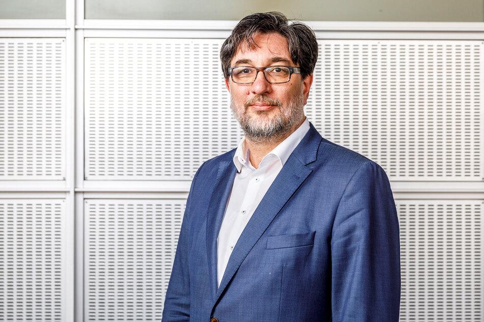 Stefan Hartmann (53).