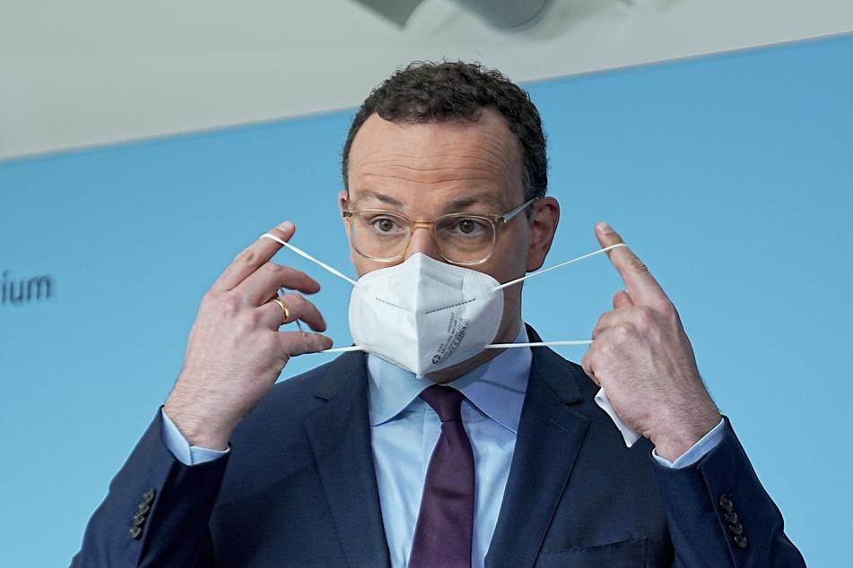 Jens Spahn (41, CDU) hat stärkere Kontrollen von 3G-Nachweisen angemahnt.
