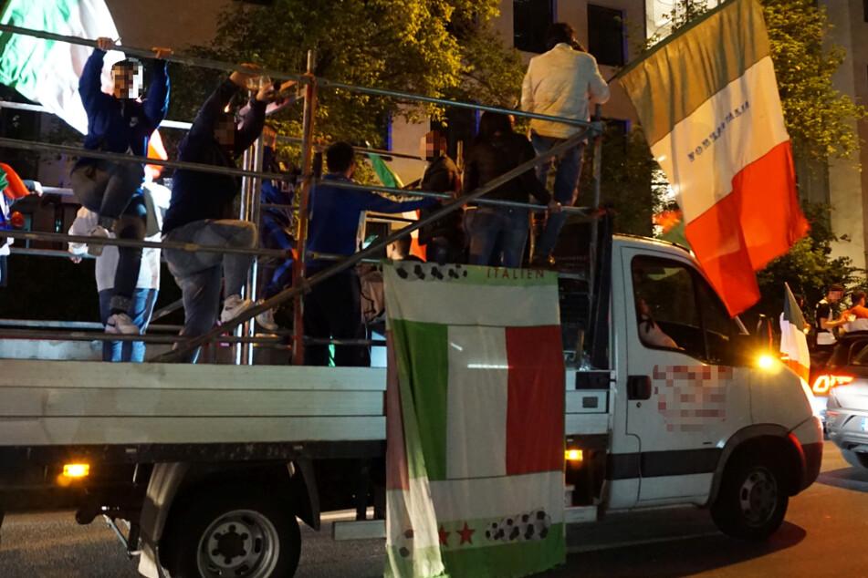In Frankfurt feierten rund 1000 Fans der italienischen Nationalmannschaft den Sieg bei der Europameisterschaft.