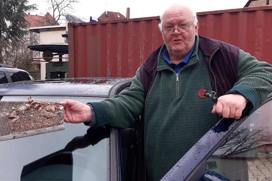Roland Geistert (70), Ortsvorsteher von Liebertwolkwitz, betreibt eine Autowerkstatt. Die ersten Erfahrungen mit reparaturbedürftigen Fahrzeugen machte er im zarten Alter von vier Tagen.