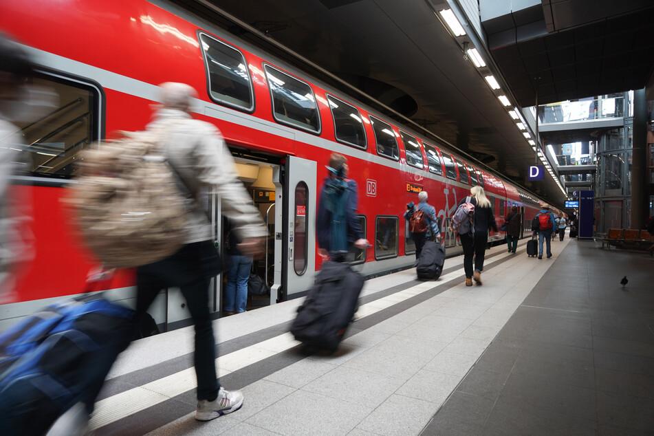 Zugstrecke Berlin-Hamburg: Ab Dezember alle halbe Stunde!