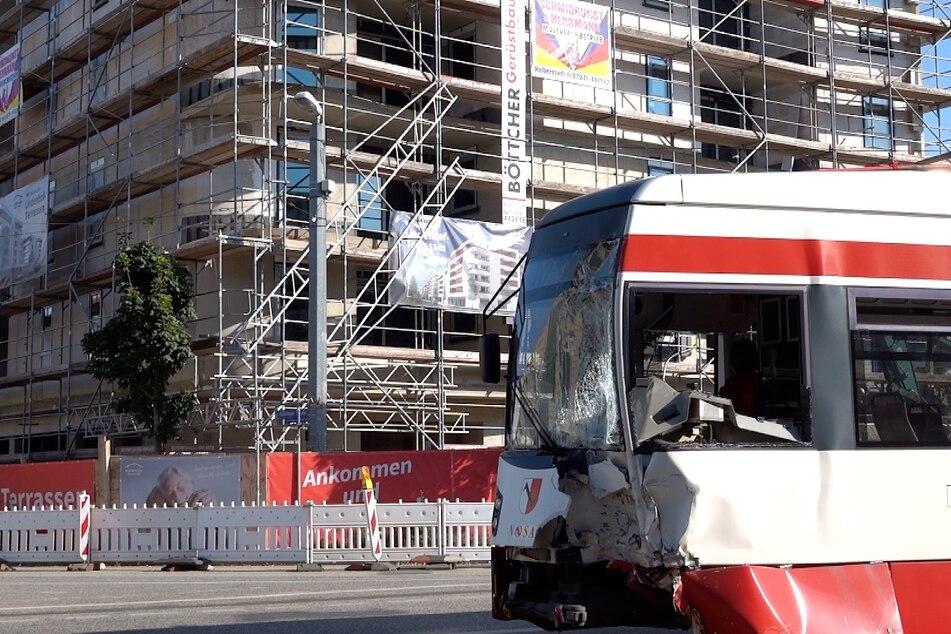 Frontalcrash: Zehn Verletzte bei Unfall mit zwei Straßenbahnen