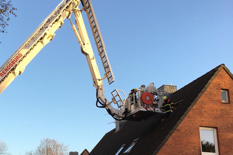Die Tote wurde auf dem Dachboden des Mehrfamilienhauses gefunden.